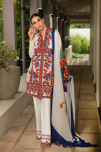 52e438b7aa The latest fashion and clothes collections from Sana Safinaz